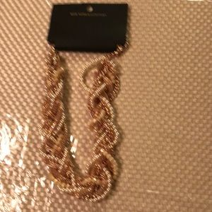 Stunning necklace new arrival NWT